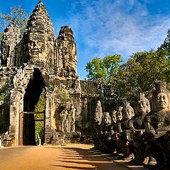 "photo ""South gate of the citadel of Angkor Thom"""