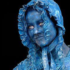 """фото """"blue living statues"""""""