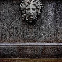 "album ""Sculptures and monuments"""