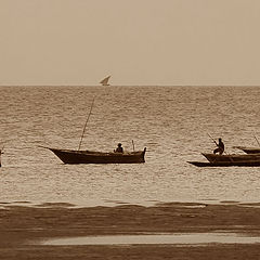 """photo """"People and boats. Indian ocean."""""""