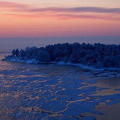 "photo ""Lonely frosen island"""