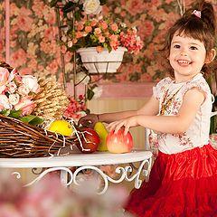 "фото ""Девочка с яблоками"""