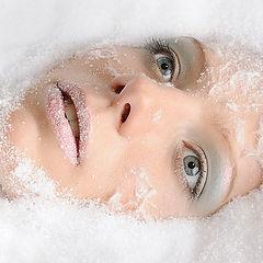 "фото ""Портрет девушки в снегу"""