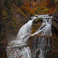 """фото """"Осенний водопад"""""""