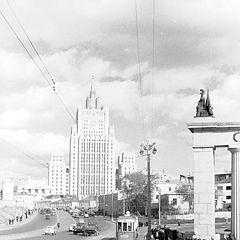 """фото """"Вид с Бородинского моста на МИД"""""""
