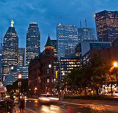 "фото ""Downtown Toronto rainy night"""