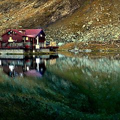 """фото """"Oasis of tranquility in the heart of the mountains"""""""