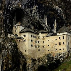 "photo ""Castle that reigns over the valley"""
