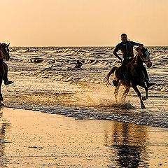 "photo ""RACING ON THE BEACH"""