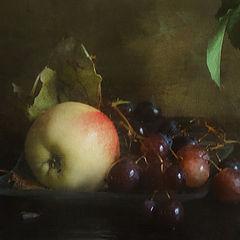 "фото ""Яблоко и виноград (фрагмент)"""