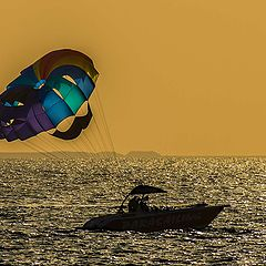 "photo ""Parasailing"""
