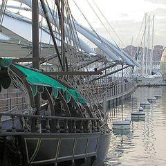 "photo ""Genoa, aquarium area: the old and the new"""