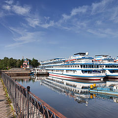 "photo ""the ships came into our harbor. Uglich"""