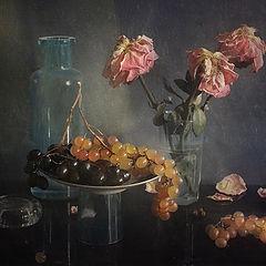 """фото """"Виноград и увядающие розы"""""""