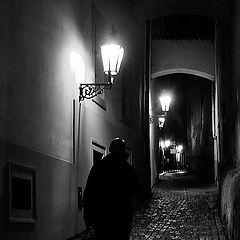 "photo ""Ночной пешеход и фонари"""