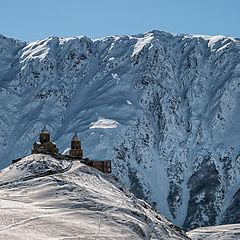 "фото ""Монастырь на Казбеке (Цминда Самеба)"""