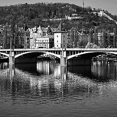 """photo """"Холм, дома, мост и река"""""""