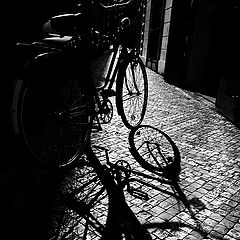 "photo ""Велосипед и тень"""