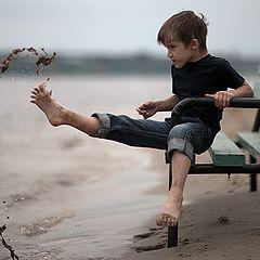 """фото """"Мальчик и скамейка"""""""
