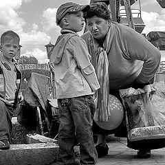 """фото """"Выгуливание внуков"""""""