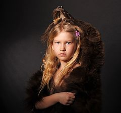 """фото """"Девочка в шкуре медвежонка"""""""