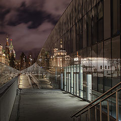"""фото """"Геометрия и отражения ночного города"""""""