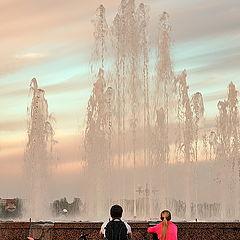 "фото ""Вечером, у фонтана"""