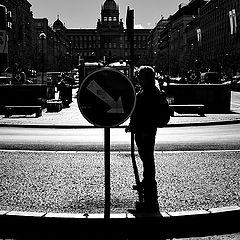 """photo """"Дорожный знак и фигура"""""""