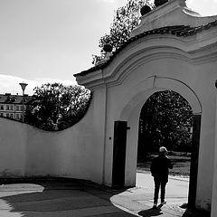 """photo """"Ворота, фигура и тени"""""""
