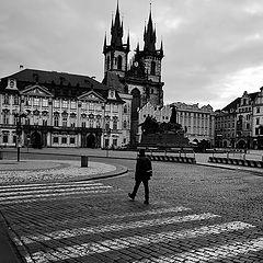 """photo """"Утренний пешеход на площади"""""""