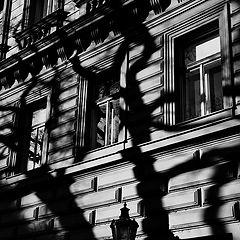 """photo """"Фонарь, тени и окна"""""""