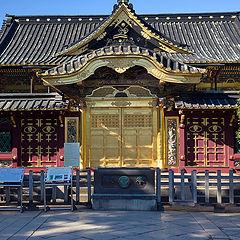 "фото ""Храм Тощогу в парке Уэно. Токио."""