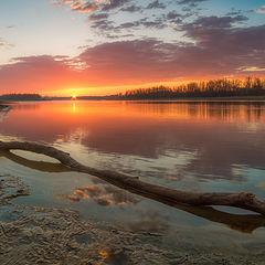 """фото """"Восход солнца над рекой"""""""