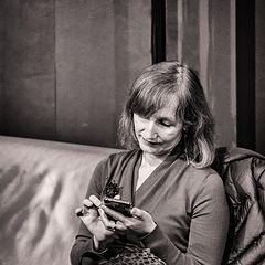 """фото """"Телефону все возрасты покорны"""""""
