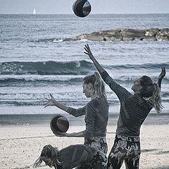 """фото """"Пляжный волейбол: подача"""""""