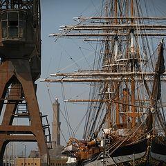 """фото """"sailing ship Amerigo Vespucci in Genoa, Italy"""""""