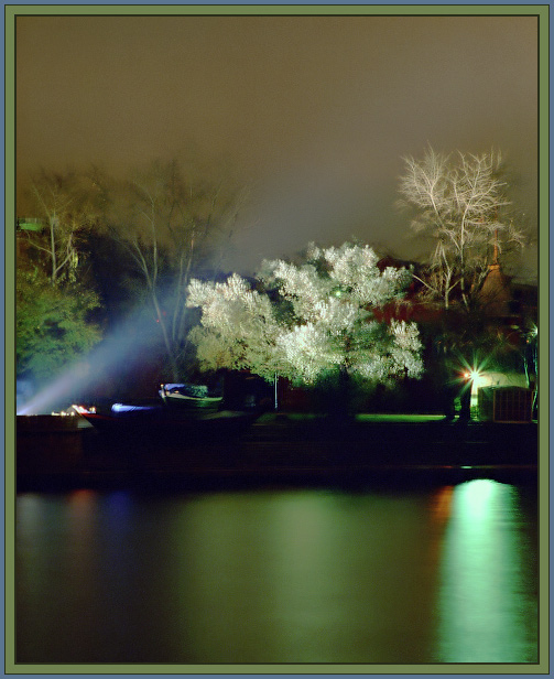 "photo ""Beams"" tags: landscape, night, water"