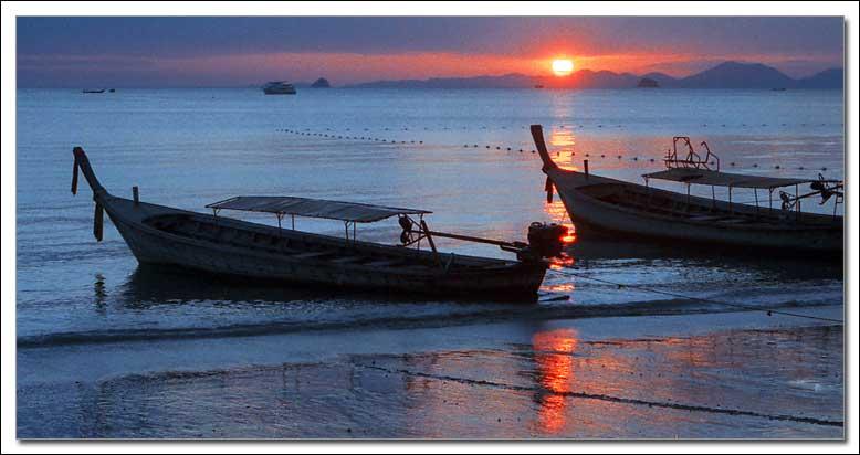 """photo """"Sundown, Ao Nang"""" tags: landscape, night, sunset"""