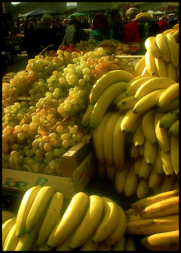 "photo ""City Market: Wanna banana?"" tags: reporting, landscape,"