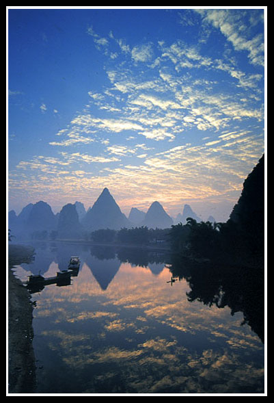 "photo ""Enjoy the Li river"" tags: landscape, mountains, water"