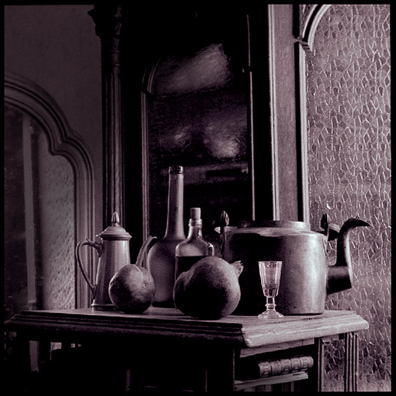 "photo ""With a teapot"" tags: still life,"