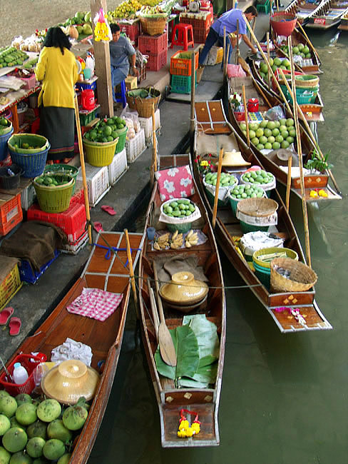 "photo ""Floating Market"" tags: reporting, travel, Asia"