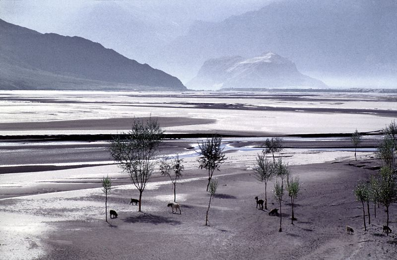 "photo ""Indus Valley"" tags: travel, landscape, Asia, mountains"