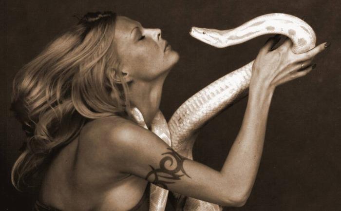 """фото """"Поцелуй под гипнозом"""" метки: жанр, портрет, женщина"""