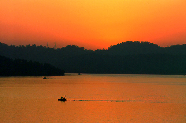 "photo ""Sun Moon Lake (II)"" tags: landscape,"