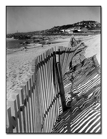 "photo ""fence"" tags: landscape, travel, Europe"