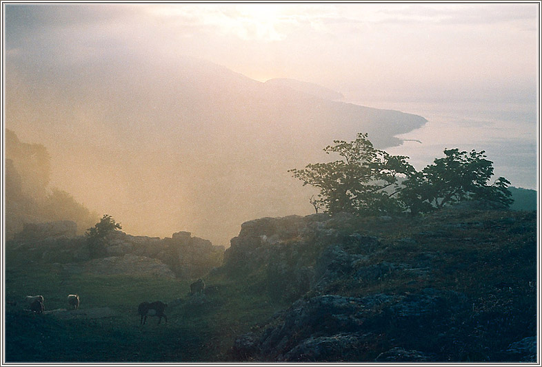 "photo ""Morning shine, looking from Aj-Petri mount (Krimea"" tags: nature, landscape, mountains"