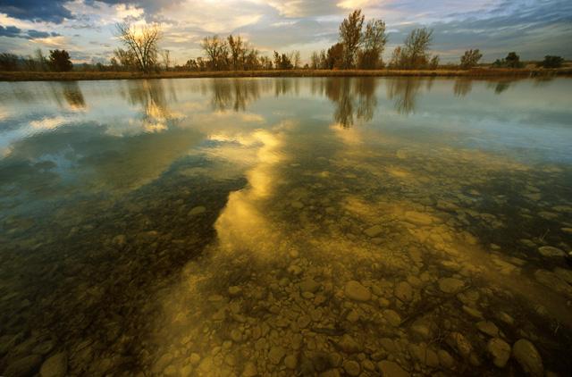 "фото ""Contemplation At Water`s Edge"" метки: пейзаж, вода, закат"