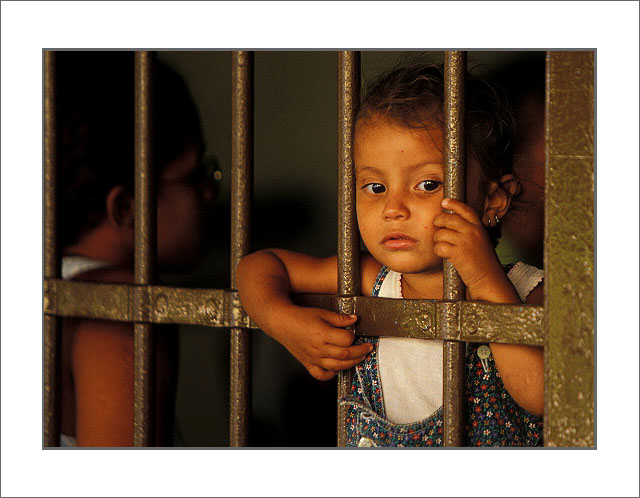 "photo ""Sadness"" tags: reporting, portrait, children"