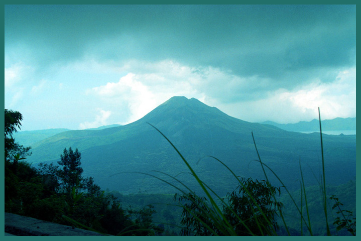 "photo ""Volcano"" tags: landscape, travel, Asia"